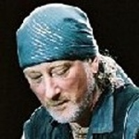 ROGER GLOVER </h3><p><strong>Basse-