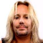 VINCE NEIL </h3><p><strong>Chant,Guitare-